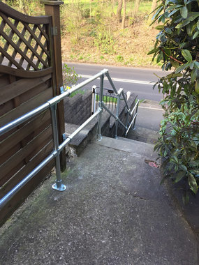 Galvanised tube and clamp handrail